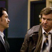 Clifton Collins Jr. e Dennis Quaid in una scena del film The Horsemen