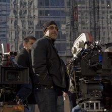 Il regista David S. Goyer sul set del film Il mai nato