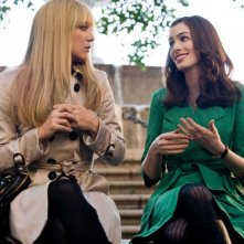 Kate Hudson e Anne Hathaway in una scena del film Bride Wars - La mia miglior nemica