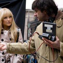 Kate Hudson e il regista Gary Winick sul set del film Bride Wars - La mia miglior nemica