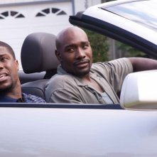 Kevin Hart e Morris Chestnut in una scena del film Not Easily Broken