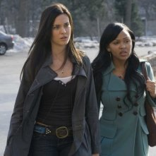 Odette Yustman e Meagan Good in un'immagine del film Il mai nato
