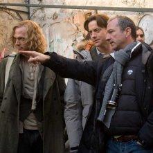 Paul Bettany, Brendan Fraser e il regista Iain Softley sul set del film Inkheart - La leggenda di cuore d'inchiostro