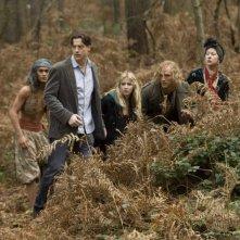 Rafi Gavron, Brendan Fraser, Eliza Bennett, Paul Bettany ed Helen Mirren in una scena del film Inkheart - La leggenda di cuore d'inchiostro