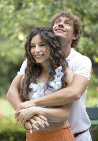 Sabrina Impacciatore e Giorgio Pasotti nei ruoli di Rita e Alessandro nel film tv Due mamme di troppo