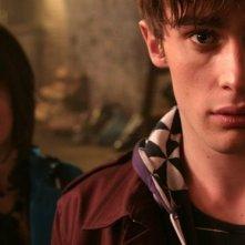 Christian Cooke e Holly Grainger nella serie tv Demons