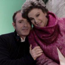 Il regista Luciano Melchionna e Stefania Sandrelli sul set del film Ce n'è per tutti