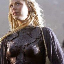 Laura Vandervoort in una sequenza dell'episodio 'Bloodline' della serie tv Smallville