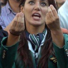 Una foto della hostess Daniela Martani durante le manifestazioni per l'Alitalia, nel 2008
