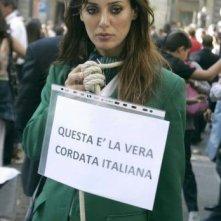 Una foto di Daniela Martani durante le manifestazioni per l'Alitalia, nel 2008