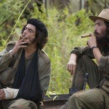 Benicio Del Toro e Demian Bichir in una scena del film Che - L'Argentino