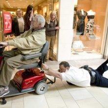 Bernie McInerney e Kevin James in un'immagine del film Paul Blart: Mall Cop
