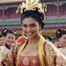 Deepika Padukone in una scena del film Chandni Chowk to China