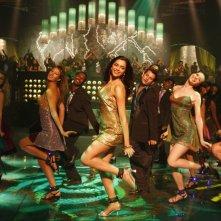 Deepika Padukone in una sequenza del film Chandni Chowk to China