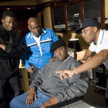 Derek Luke, il produttore Wayne Barrow, Jamal Woolard e il regista George Tillman Jr. sul set del film Notorious