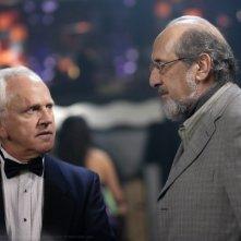 John Rubinstein e Richard Libertini in una scena dell'episodio Criss Angel is a Douche Bag di Supernatural