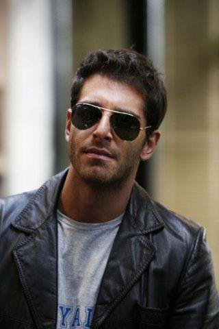 Giampaolo Morelli in un'immagine della seconda stagione della serie tv L'ispettore Coliandro