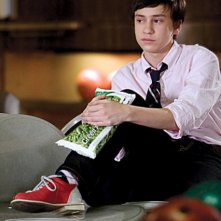 Keir Gilchrist in una scena del pilot di The United States of Tara