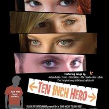 La locandina di Ten Inch Hero