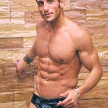 Grande Fratello 9 - un'immagine sexy di Gianluca Zito sotto la doccia.