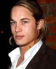 Il modello e attore Travis Fimmel