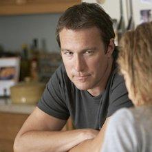 John Corbett in una scena dell'episodio Aftermath di The United States of Tara