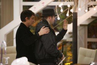 Grande Fratello 2009, giorno 3: Jerry Longo viene accompagnato per un giro di 'perlustrazione' nella Casa del GF, in attesa del suo ingresso ufficiale previsto per il 19 gennaio