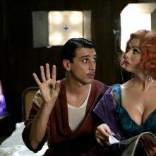 Corrado Fortuna e Vanessa Incontrada in una scena del film Aspettando il sole