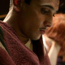 Corrado Fortuna interpreta 'l'attore' nel film Aspettando il sole