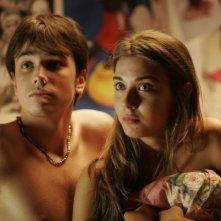 Malik Zidi e Martina pinto in una scena del film Ex