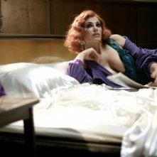 Una sensuale immagine di Vanessa Incontrada nel film Aspettando il sole
