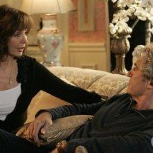 Anne Archer e Michael Nouri nell'episodio All About Love, Actually di Privileged