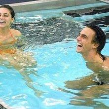 Grande Fratello 9: Marco Mazzanti e Claudia Perna in piscina