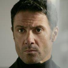 Marco Falaguasta in una scena dell'episodio Apparenze de Il bene e il male
