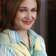 Brenda Strong in una scena dell'episodio The Best Thing That Ever Could Have Happened, della serie Desperate Housewives
