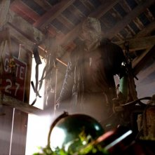 Derek Mears in una sequenza dell'horror Venerdì 13