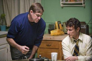 Il regista Gus Van Sant e Sean Penn sul set del film Milk