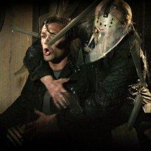 Jared Padalecki e Derek Mears in un'immagine dell'horror Venerdì 13