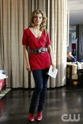 AnnaLynne McCord nell'episodio Of Heartbreaks and Hotels di 90210