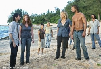 I superstiti in spiaggia nell'episodio The Lie di Lost