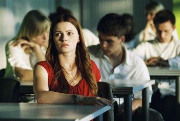 Jennifer Ulrich in una scena del film L'onda
