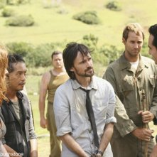 Jeremy Davies e Nestor Carbonell in una scena dell'episodio Jughead di Lost