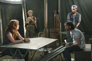 Jeremy Davies, Ken Leung e Rebecca Mader in una scena dell'episodio Jughead di Lost