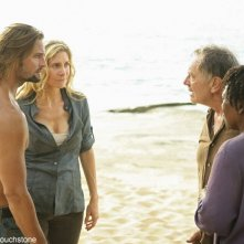 Sam Anderson, L. Scott Caldwell, Josh Holloway ed Elizabeth Mitchell nell'episodio The Lie di Lost