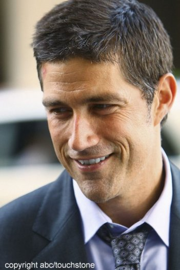 Un primo piano di Matthew Fox in una scena dell'episodio The Little Prince di Lost
