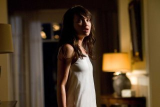 Emily Browning in una sequenza del film The Uninvited