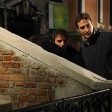 Nicolas Vaporidis e il regista Volfango De Biasi sul set del film Iago