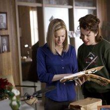 Renée Zellweger e Siobhan Fallon in un'immagine del film New in Town