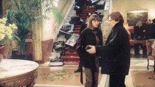 Christiane Paul e Willem Dafoe nel film La polvere del tempo (I skoni tou hronou)