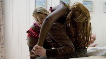 Lorna Brown e Trine Dyrholm nel film Little Soldier (Lille soldat) in concorso a Berlino 2009